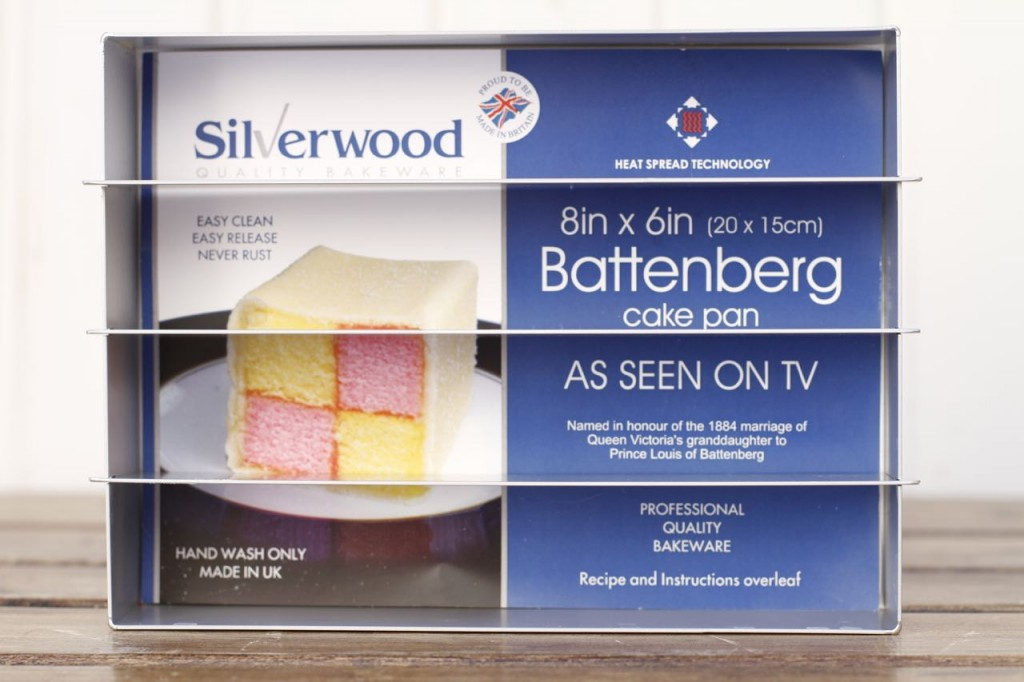 El molde especial para Battenberg cake de la marca Silverwood