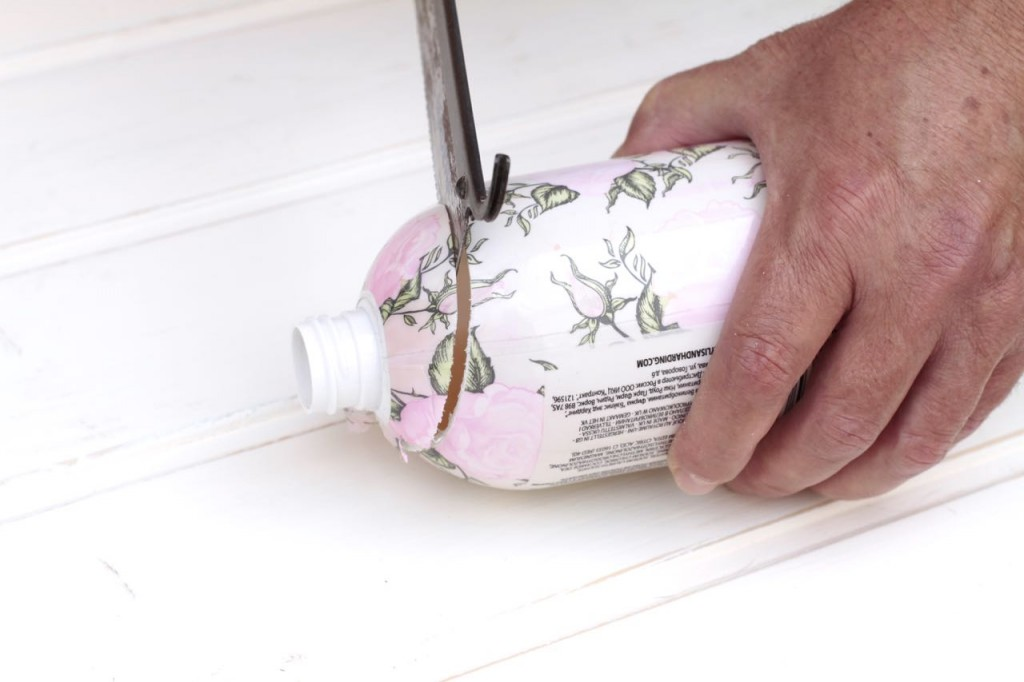 Soap dispenser 4